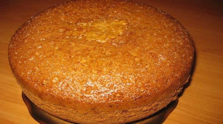 Как приготовить восхитительный медовый бисквит